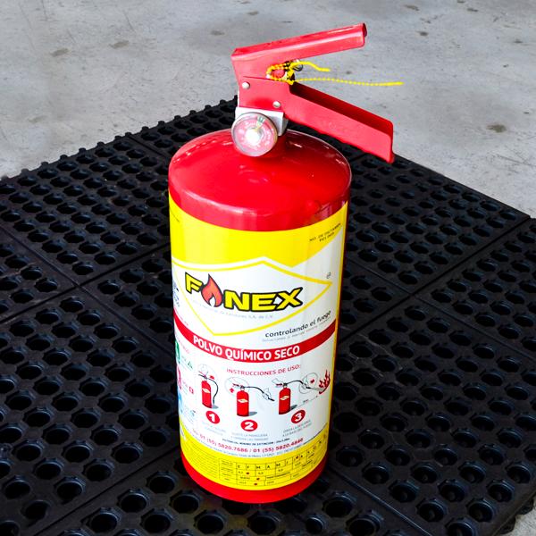 Extintor Cilindro de Lámina de PQS Fanex Rojo … 4.5 kg - 3